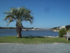 Pet Friendly Beach/Golf/Fishing Cottage, Boat Ramp, Private Piers, Golf Cart