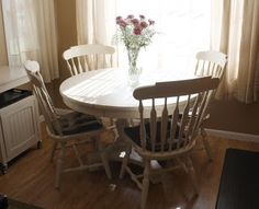 The Black Sheep Shoppe: Grandma's Table and Chairs painted in Old Ochre (Annie Sloan Chalk Paint).