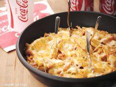 Cocinando con Neus: PATATAS AL ESTILO FOSTER'S HOLLYWOOD. Ingredientes: patatas nuevas con piel y bien lavadas + 150 gr de bacon + 1 bolsa de mezcla de quesos para fundir + 6 cucharadas de mayonesa con ajo + 3 cucharadas de agua
