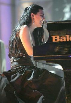 Amy Lee :)