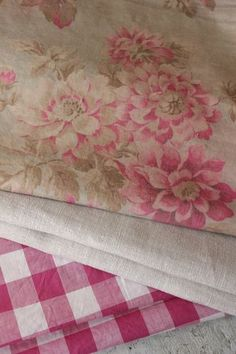 Wonderful faded floral project bundle ~ lovely craft and quilting , patchwork fabrics ~ Ideal for French country and cottage vintage interiors ~ www.textiletrunk.com