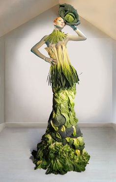 The anti-Gaga vegetable dress!
