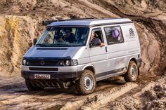 Off Road Camping, Truck Camping, Camping Trailers, Vw T4 Syncro, Volkswagen Transporter, T3 Camper, Offroad Camper, Camper Van, T5 Bus