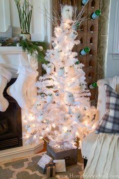 White owl Christmas tree
