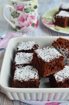 A tökéletes piskótatekercs Cake Recipes, Dessert Recipes, Cherry Cake, Macarons, Muffin, Pizza, Sweets, Snacks, Breakfast