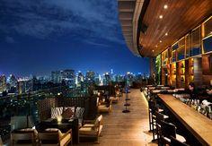 Cena con espectaculares vistas de la ciudad en el Octave Rooftop Lounge Bar en el Bangkok Marriott Hotel Sukhumvit.