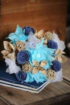 bridal bouquet, bouquet fait main, bleu et beige