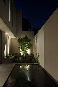 Contemporary Malvern House displays stunning interiors
