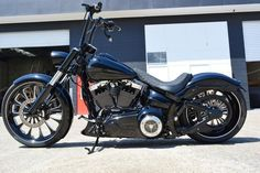 Harley Davidson Breakout - Daytona Custom Builds