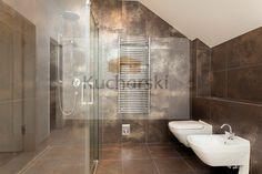 Projekt łazienki płytki błyszczący brąz