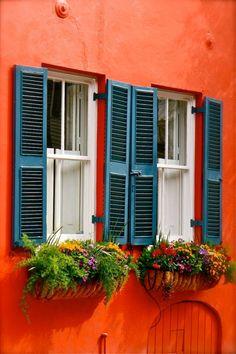 Via beautiful portals.Now this is orange, it's great!