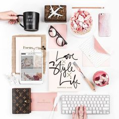 """Find and save images from the """"flatlay"""" collection by Yasmila Caron (yasmila_caron) on We Heart It, your everyday app to get lost in what you love. Love Style Life, Selfies, Instagram Inspiration, Flatlay Styling, Desk Styling, Flat Lay Photography, Blogger Tips, Style Vintage, Design Crafts"""