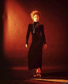 This photo just strikes me. Lovely photo shoot of Alex! Best Sci Fi Shows, Vampire Masquerade, Alex Kingston, Carla Gugino, Vera Farmiga, Medical Drama, English Actresses, Most Beautiful Women, Doctor Who