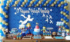"""Kit no tema """"O Pequeno Príncipe"""" para decoração de painel de festas, aniversários, quartos infantis, confeccionado em MDF de 6mm, Branco  Compõe o kit: a silhueta do pequeno príncipe, a frase """"O pequeno príncipe acompanhado do nome da criança"""", pássaros e estrelas."""