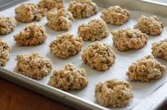 Chewy Low Fat Banana Nut Oatmeal Cookies - Move over chocolate chip cookies, I just found my favorite new cookie! The flavors of banana nut bread in a scrumptious oatmeal cookie. Healthy Desserts, Delicious Desserts, Yummy Food, Diabetic Desserts, Ww Desserts, Healthy Muffins, Healthy Recipes, Healthy Breakfasts, Diabetic Recipes