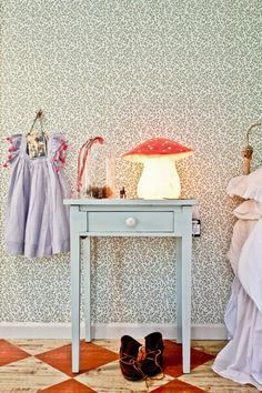 mommo design: Vintage decor Is that a felt mushroom? Red Kids Rooms, Little Girl Rooms, Room Kids, Kids Interior, Interior Design, Wood Stone, Deco Design, Kid Spaces, Kids Decor