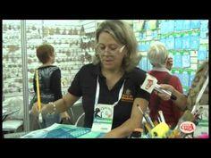 Elaine Barros ensina usar os stencils Jóia.