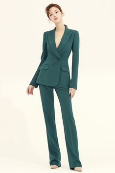 Women Designer Custom Made Pine Green Suit Double. Office Outfits Women, Casual Work Outfits, Warm Outfits, Classy Outfits, Suit Fashion, Work Fashion, Fashion Outfits, Street Fashion, Lawyer Fashion