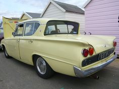 Finding Vintage Cars That Are For Sale - Popular Vintage Ford Motor Company, Vintage Room, Vintage Diy, Vintage Ideas, Vintage Stuff, Classic Cars British, Ford Capri, Cars Uk, Classic Chevy Trucks