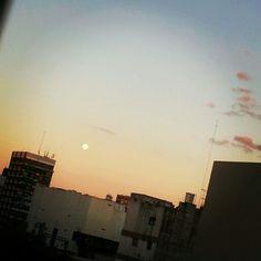 Luna al atardecer...