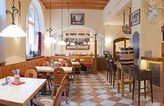 Für ein Traditionsgasthaus in Kufstein wird ein Pächter gesucht: Für ein Traditionsgasthaus in Kufstein/Tirol wird ein(e) engagierten... Portal, Bar, Table, Furniture, Home Decor, Tables, Home Furnishings, Interior Design, Home Interiors