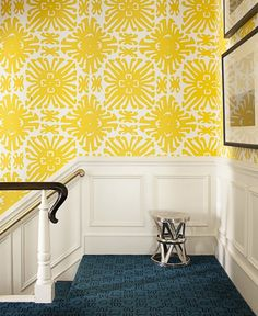 Love the combination! white and yellow #wallpaper, carpet in contrasting color, tribal motif. Elegant and modern. Fabulous!