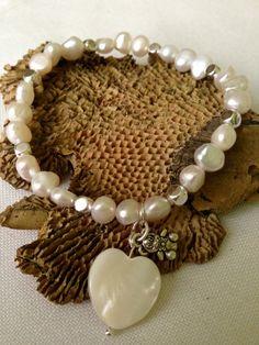 Pulsera perlas barrocas blancas de agua dulce y por DeMaiCreaciones