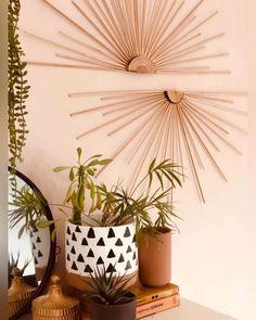 DIY the fan wall decor and diy plants pot Diy Room Decor Videos, Diy Crafts For Home Decor, Diy Crafts Hacks, Diys, Diy Wall Art, Diy Wall Decor, Diy Bedroom Decor, Plant Wall Decor, Creative Wall Decor