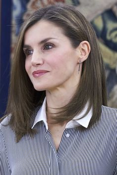 Queen Letizia of Spain Photos Photos - Queen Letizia of Spain attends several audiences at the Zarzuela Palace on February 15, 2017 in Madrid, Spain. - Queen Letizia Attends Audiences at Zarzuela Palace