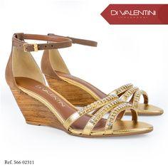 Anabela super estilosa e na cor perfeita para montar um look poderoso. ✨❤️ #divalentini #shoes #love #shoesdv #lookoftheday #modaparamulheres #fashion #winter #diva #dv #mulheres