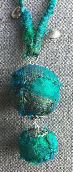 Collier/Sautoir textile vert printemps. par VeronikB sur Etsy
