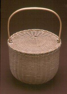 Blackash Baskets - Feather Basket with Captured Lid
