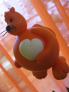 Gato laranja com pé de coração!!! | por Ana Kuhnen - Marmelinhas