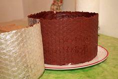 Tort cu mousse de zmeura si ciocolata - Dulciuri fel de fel Dessert Recipes, Desserts, Yummy Cakes, Pudding, Sweets, Food, Mousse, Tailgate Desserts, Deserts