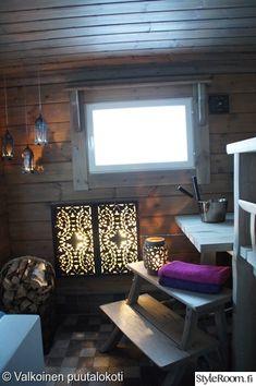 sauna,mökki,puukori,seinävalaisin,saunan valaistus