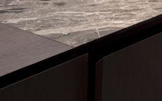 Detail of the work top of the Minotti Inca kitchen by Silvano Bonetti and… Kitchen Worktop, Kitchen Tops, Kitchen Countertops, Contemporary Kitchen Plans, Kitchen Interior, Kitchen Design, Concrete Interiors, Joinery Details, Bright Kitchens