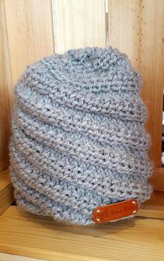 Lanka on ollut Lankasataman talven myydyimpiä lankoja ja sitä on Diy Crochet And Knitting, Crochet Hats, Something Beautiful, Wonderful Things, Handicraft, Headbands, Knitted Hats, Diy And Crafts, Beanie