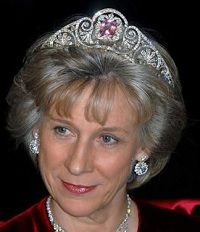 HRH the Duchess of Gloucester wearing the Queen Mary Honeysuckle Tiara with Kunzite