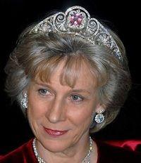 Brigitte, Duchess of Gloucester wearing the Queen Mary Honeysuckle Tiara with Kunzite