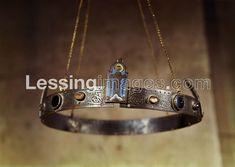 Crown of Emperor Friedrich II Church San Nicola, Bari, Italy. Friedrich Ii Staufer, Bari, Circlet, Tiaras And Crowns, Crown Jewels, Cartier Love Bracelet, Emperor, Headdress, Medieval