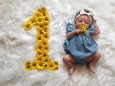 baby pictures Trendy Baby Girl Photography Ideas M - Monthly Baby Photos, Newborn Baby Photos, Baby Girl Newborn, Baby Baby, 1 Monat Baby, Baby Shoot, One Month Baby, Baby Girl Pictures, Trendy Baby
