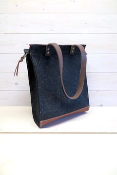 ddd1b332e2e5 FELT TOTE BAG black large bag with zipper. Laptop shopper leather details  13
