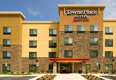 TownePlace Suites by Marriott Ottawa Kanata Kanata Boasting an indoor pool, TownePlace Suites by Marriott Ottawa Kanata is situated in Ottawa, 2.8 km from Canadian Tire Centre. A complimentary breakfast is served each morning and free WiFi is provided throughout the property.