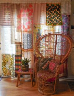 I love these scarf curtains! Wonder where I could hang one at my place...