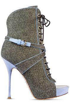John Galliano - Complejo turístico Zapatos - 2014