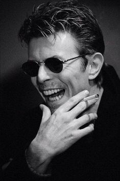 News Photo : English singer-songwriter David Bowie, David Bowie Pictures, David Bowie Starman, The Thin White Duke, Major Tom, Ziggy Stardust, David Jones, Terry Jones, Found Out, Rock And Roll