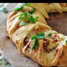 Rosco de hojaldre relleno salado http://www.rebanando.com/receta-63845-rosco-de-hojaldre-relleno-salado.htm