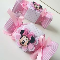 Risultati immagini per Caixa de Bala Mickey Mouse template Mickey Mouse Template, Minnie Mouse Theme, Minnie Birthday, Baby Birthday, Mouse Parties, Baby Disney, Baby Shower Decorations, First Birthdays, Gift Wrapping