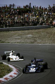 Patrick Depailler (Tyrrell-Ford 007) & Mike Hailwood ( McLaren-Ford M23), 1974 Dutch GP, Zandvoort