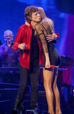 Mick Jagger (and Stones) with Taylor Swift (¡!¿), on Stage!